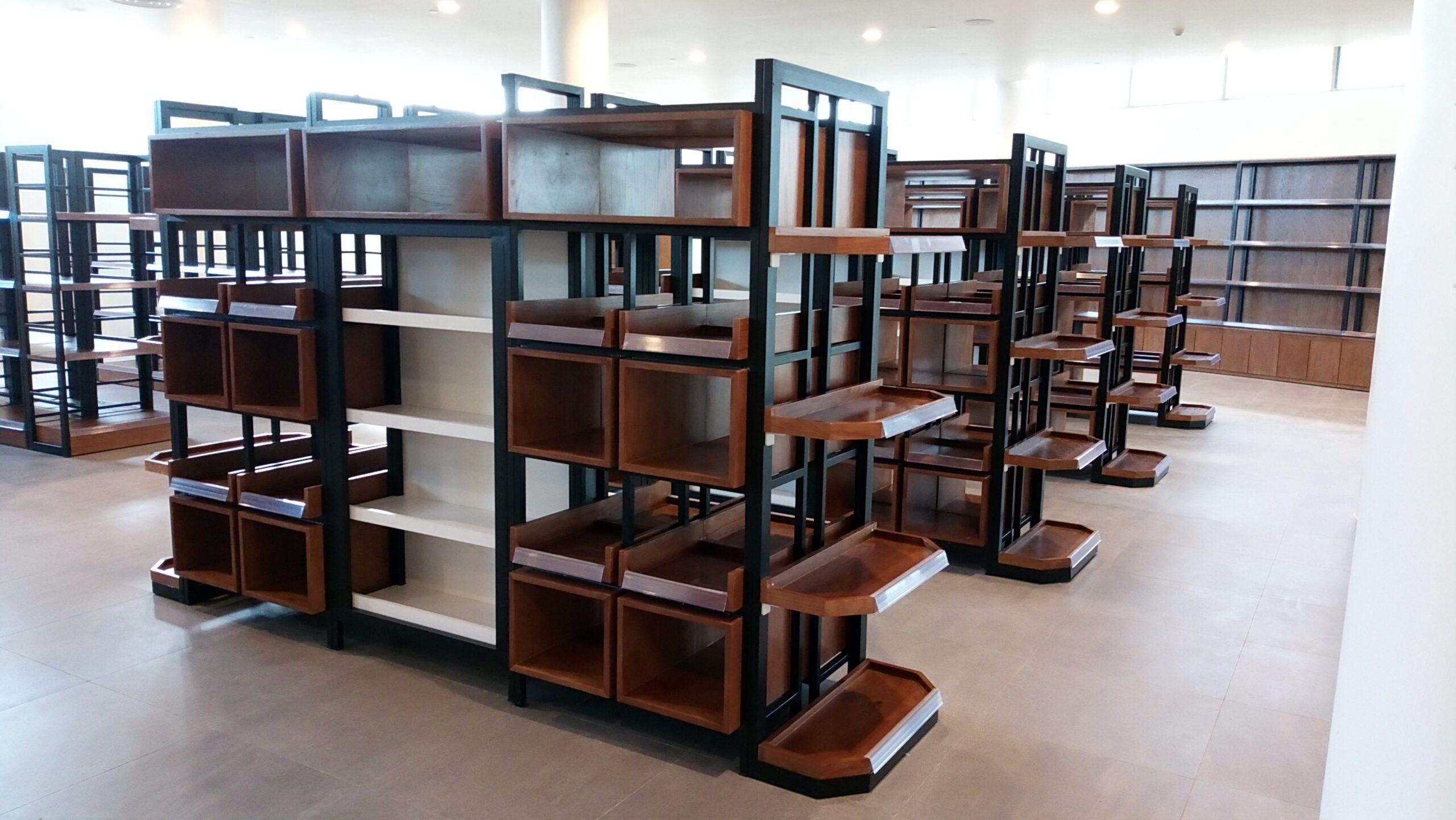 Thiết kế nội thất siêu thị Alma với hệ thống quầy kệ trưng bày hiện đại